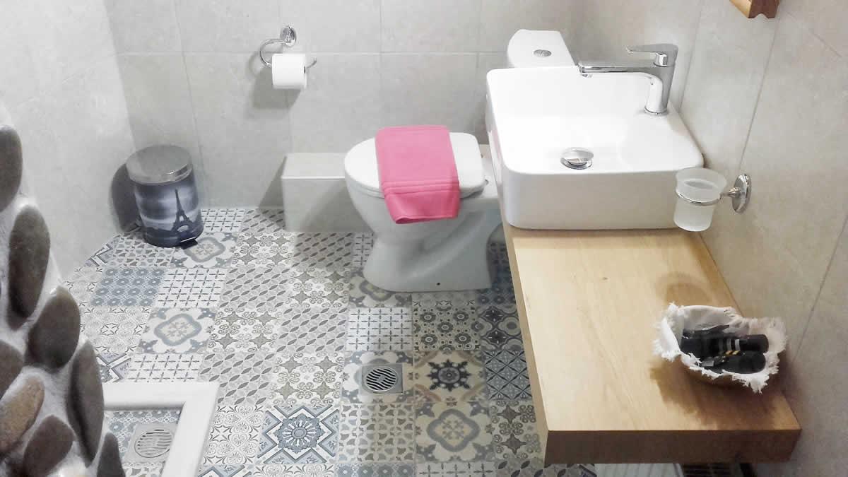 WC les chambres de la Guesthouse à Papigo