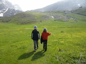 Hiking to Drakolimni