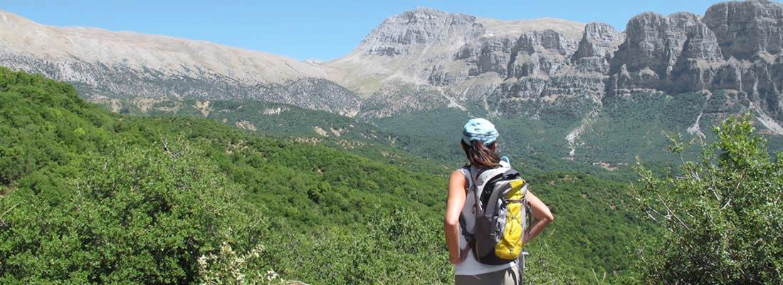 "Trekking, Megalo Papigo, Zagori, Greece | שלושה ימי טיול רגלי מודרך באזורנו המדהים: ויקוס גורג (Vikos Gorge), ""אגם הדרקון"" (Dragon Lake) והכפר הנטוש קלדוניה (Kleidonia desserted village). לימודי קשתות, טיול שטח 4x4 וטיול רגלי ליער ואליה קלדה הבתולי (Valia Kalda Forest). 4 לילות (מתוכם אחד בבקתת וובוסה Vovousa refuge) הכוללים טיול רגלי, קשתות, לינה, ארוחות בוקר וארוחות קלות: 190 אירו לאדם."